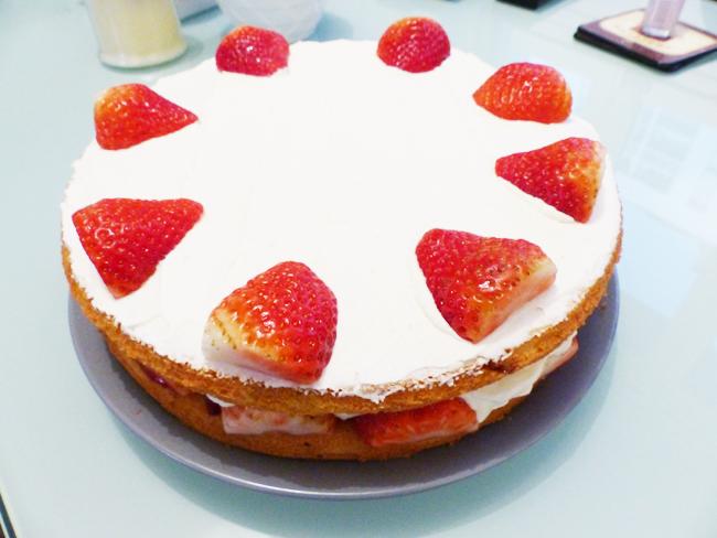 Victoria sponge cake 3