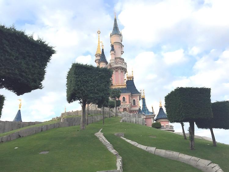 Disneyland-paris-frozen-fun
